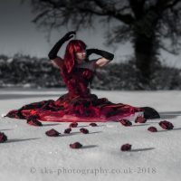 red-dress-snow4