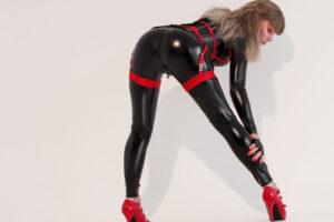 catsuit-straps3
